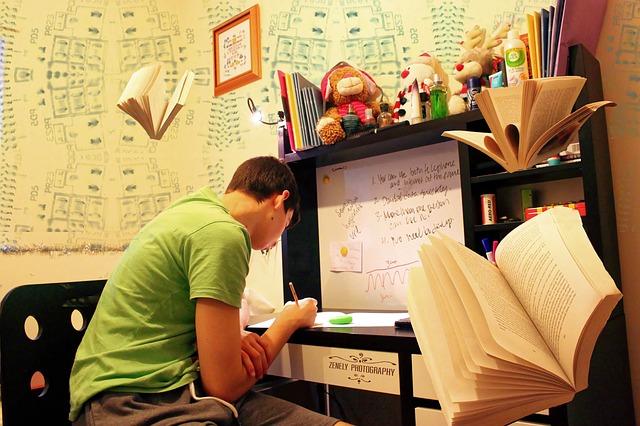 חוגים לנוער הדור הבא – סייבר ואפליקציות