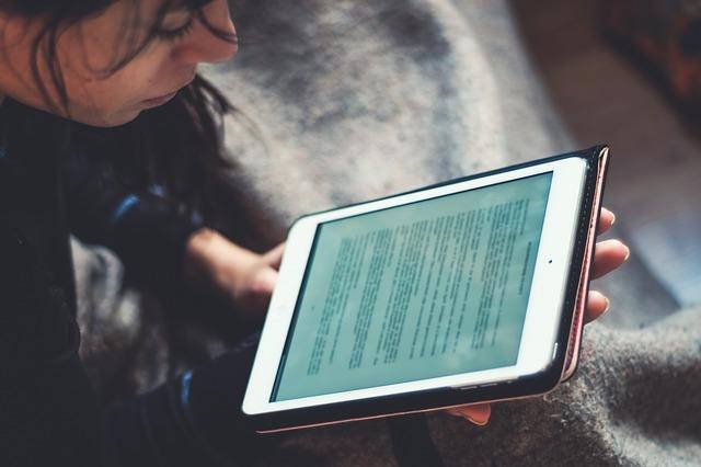 השלמת בגרות באינטרנט: מותאמת לאנשים עובדים